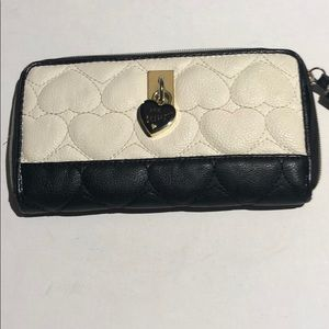 Betsey Johnson quilted heart black & white wallet